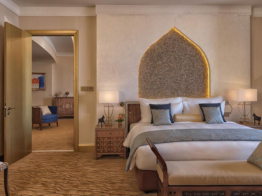 deluxe-suite-bedroom-2-marsa-malaz-kempinski
